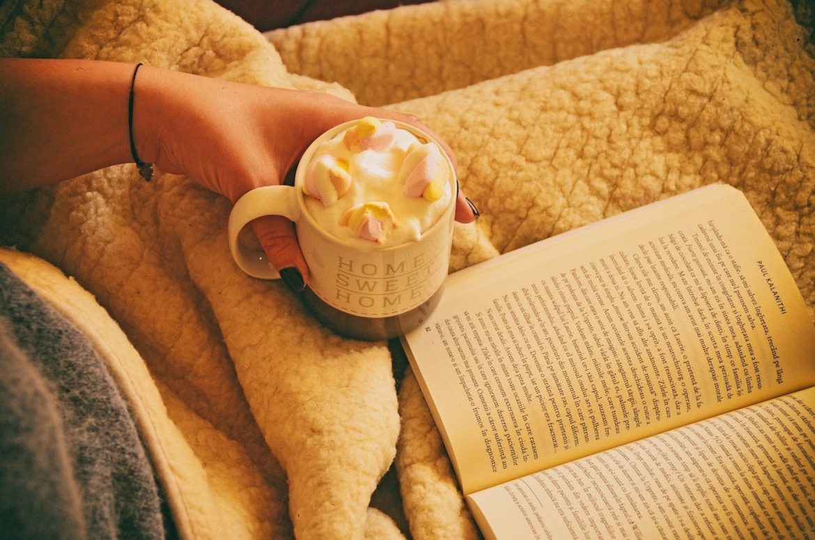 7 easy ways to stay warm in winter and save money